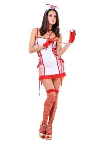 Костюм медсестры состоит из мини-платья, украшенного кружевом и стразами, трусиков-стрниг, стетоскопа и головного убора