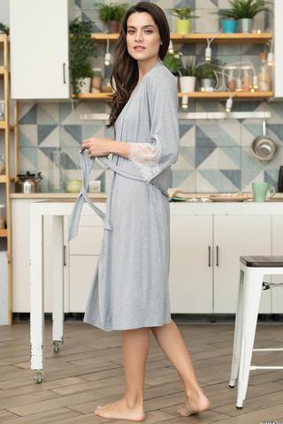 Запашной халат Mia-Mella средней длины на поясе с рукавами 3/4, декорированными воздушным кружевом