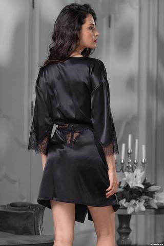 Самый соблазнительный комплект коллекции Мэдисон выполнен из кружева и черного искусственного шелка
