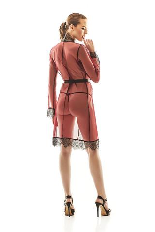 Соблазнительный пеньюар выполнен из полупрозрачной сеточки красного цвета в сочетании с роскошным кружевом черного цвета