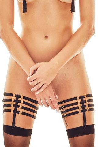 Черные подвязки для чулок, выполнены из эластичных ремешков-резиночек, красиво соединенных между собой металлическими колечками