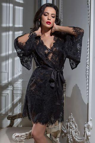 Кимоно Mia Amore выполнено из тончайшего французского кружева Шантильи (Chantilly) с изысканным рисунком по низу кимоно и рукавам