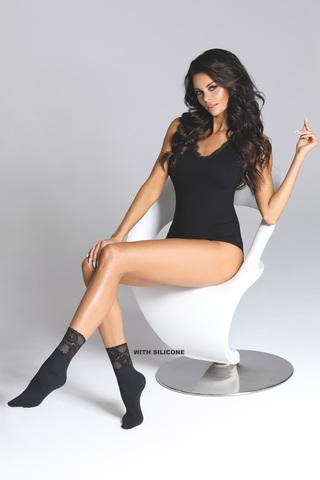 Черные носочки Fumi 80 den с мягкой кружевной резинкой на силиконе
