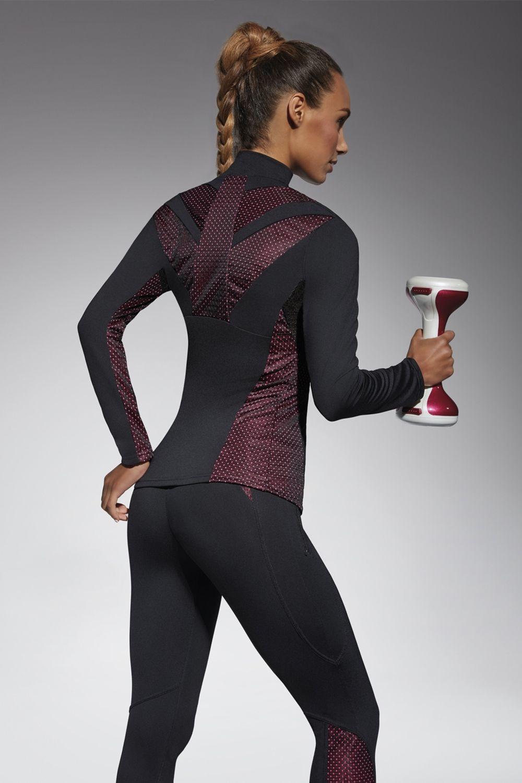 Толстовка для фитнеса свободного кроя Inspire blouse 200 den черного цвета изготовлена из полностью непрозрачного, эластичного, корректирующего фигуру материала фото