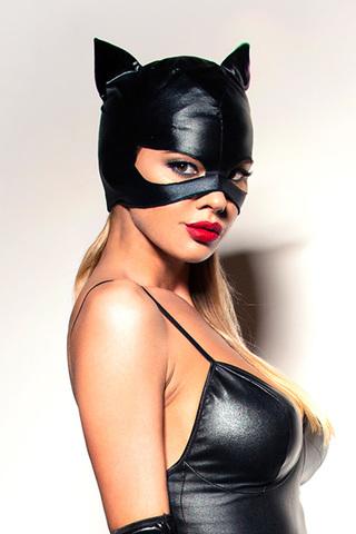 Желаете внести пикантное разнообразие в отношения с любимым мужчиной и провести увлекательный вечер? Отличный вариант для этого случая - чёрная маска «Кошечка»