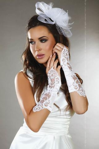 Элегантные белые митенки LC gloves model 3 выполнены из эластичной атласной ткани
