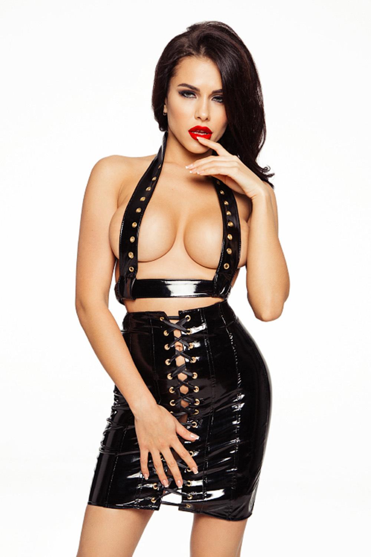 Сексуальная черная лакированная юбка на шнуровке спереди и итригующей молнией сзади фото