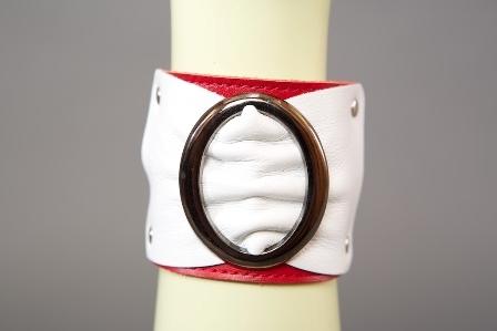 Браслет красно-белый с овальной пряжкой ширина 6 см. фото