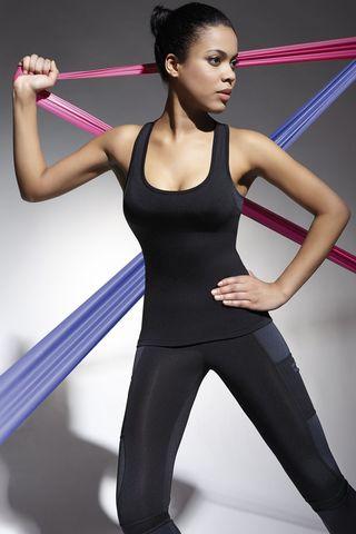 Майка для фитнеса черного цвета Teamtop 70 200 den изготовлена из полностью непрозрачного, эластичного, корректирующего фигуру материала