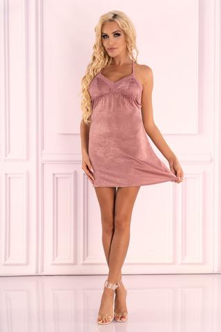 Очаровательная сорочка Ressia выполнена из нежного велюра пудрово-розового цвета