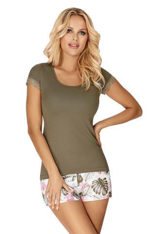 Пижама Mila состоит из футболки цвета хаки и шорт