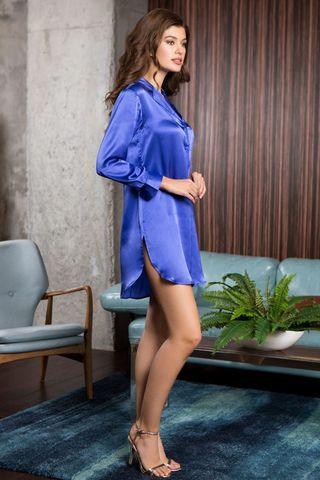 Рубашка домашняя средней длины полуприлегающего силуэта выполненна из натурального шелка