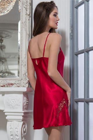 Короткая сорочка Mia-Mella без подреза под грудью полуприлегающего силуэта на тонких бретелях, выполнена из однотонного искусственного шелка