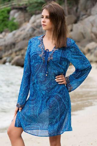 Короткая туника Mia-Amore с длинным рукавом выполнена из принтованного шифона в морской синей гамме